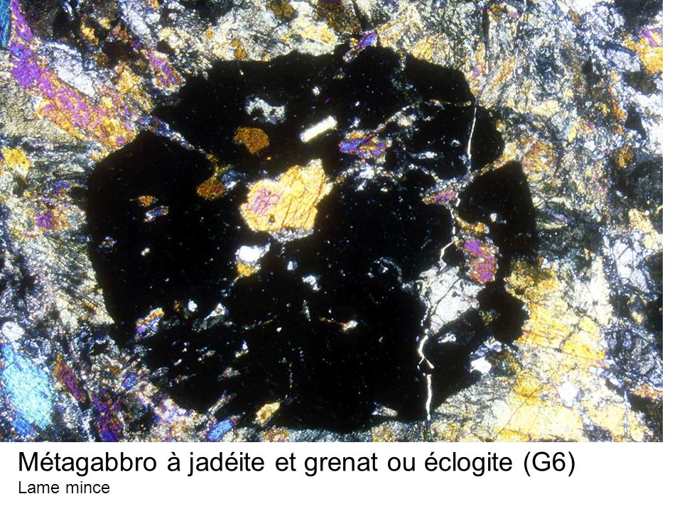 Métagabbro à jadéite et grenat ou éclogite (G6)