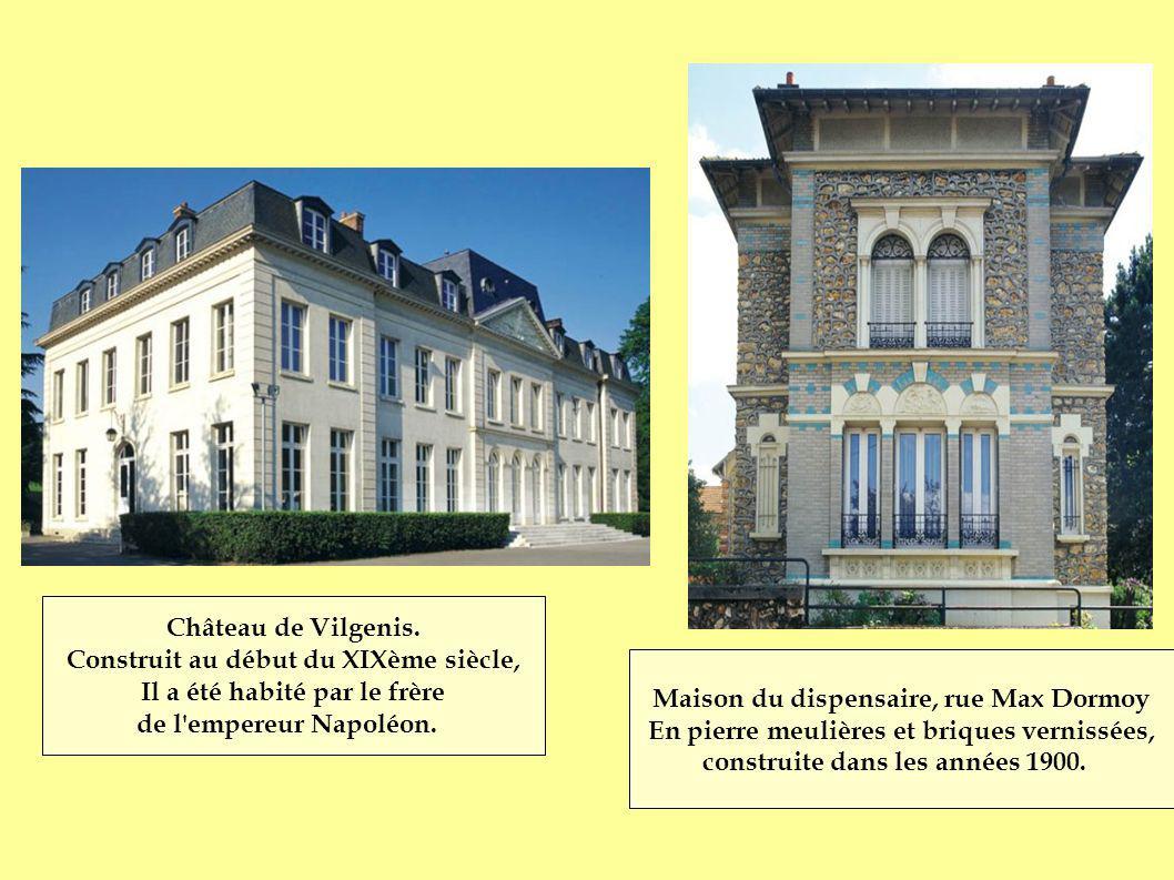 Construit au début du XIXème siècle, Il a été habité par le frère