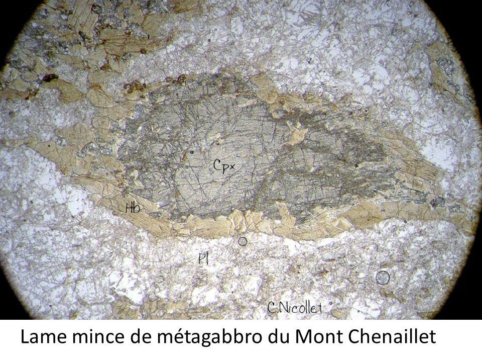 Lame mince de métagabbro du Mont Chenaillet
