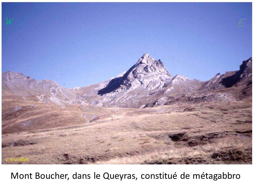 Mont Boucher, dans le Queyras, constitué de métagabbro