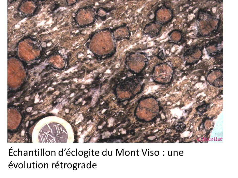 Échantillon d'éclogite du Mont Viso : une évolution rétrograde