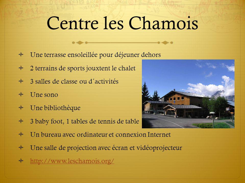 Centre les Chamois Une terrasse ensoleillée pour déjeuner dehors