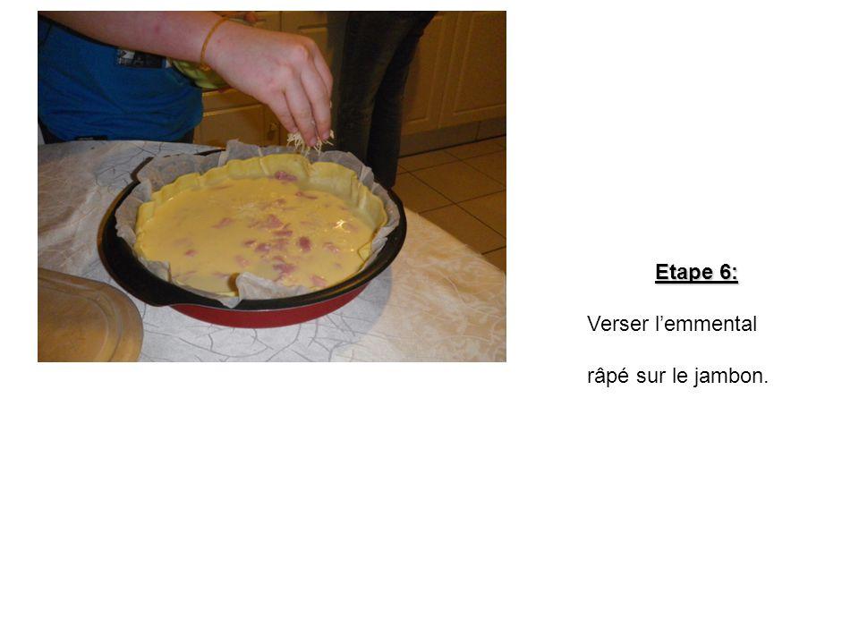 Etape 6: Verser l'emmental râpé sur le jambon.