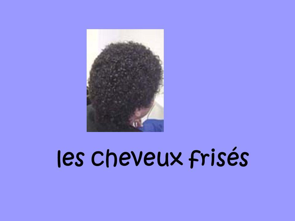 les cheveux frisés