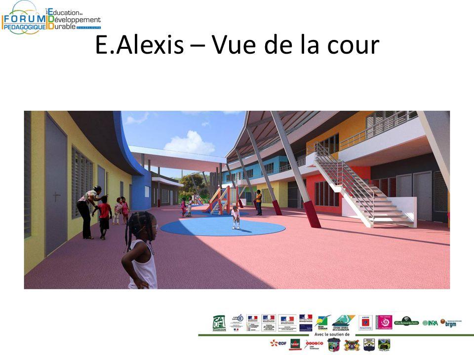 E.Alexis – Vue de la cour