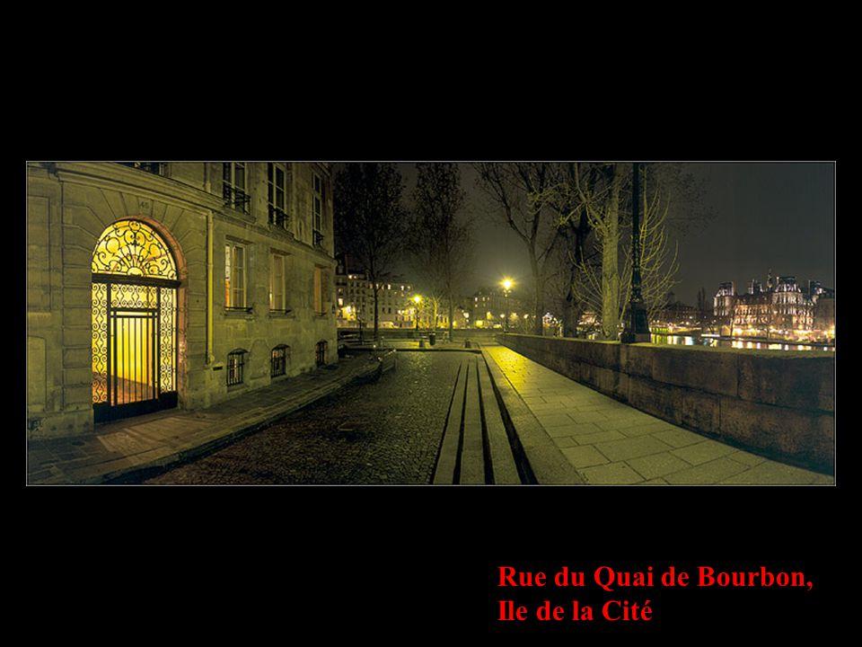 Rue du Quai de Bourbon, Ile de la Cité