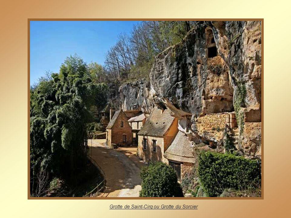 Grotte de Saint-Cirq ou Grotte du Sorcier