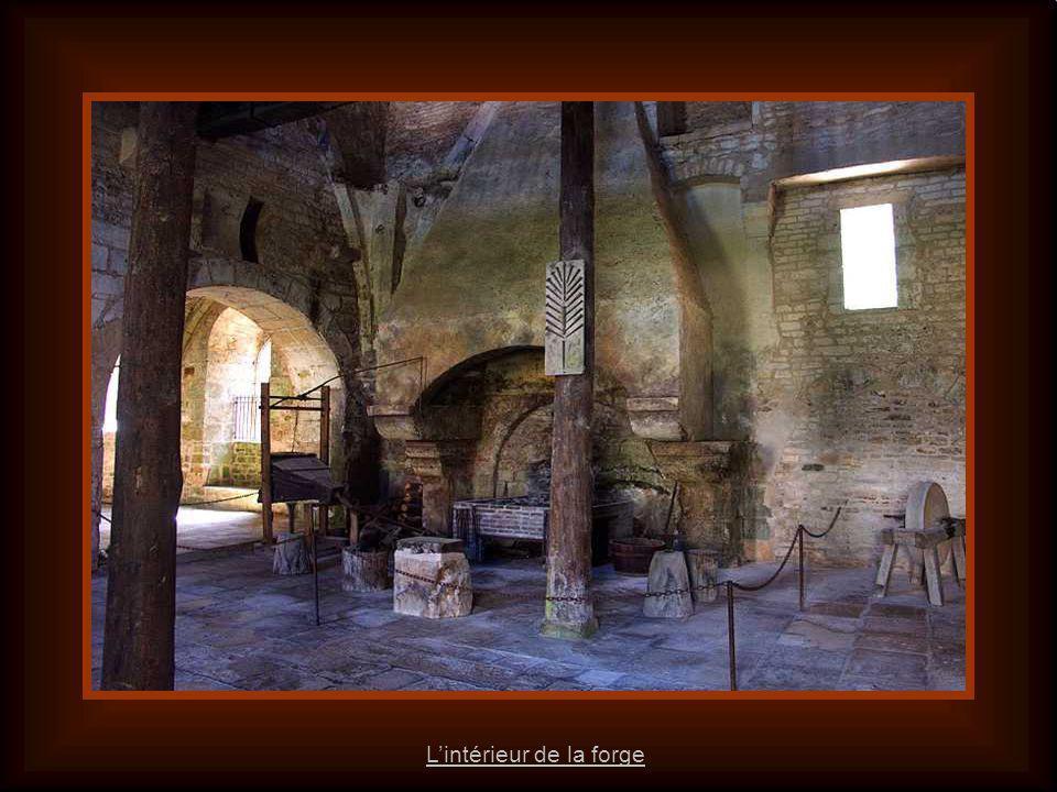 L'intérieur de la forge