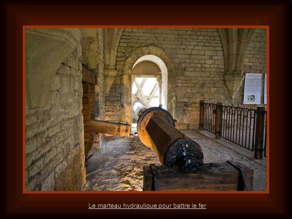 Le marteau hydraulique pour battre le fer
