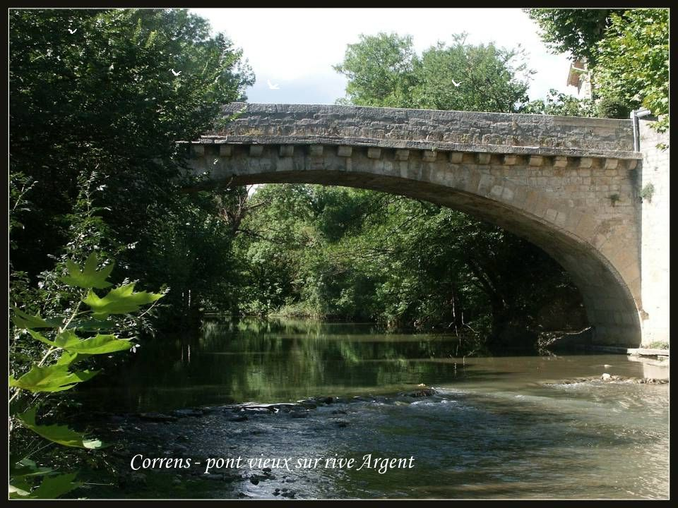 Correns - pont vieux sur rive Argent