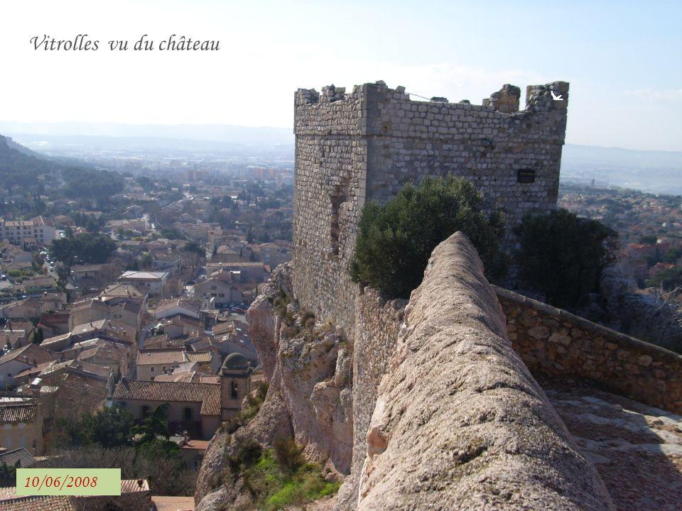 Vitrolles vu du château Vitrolles (Etang de Berre)