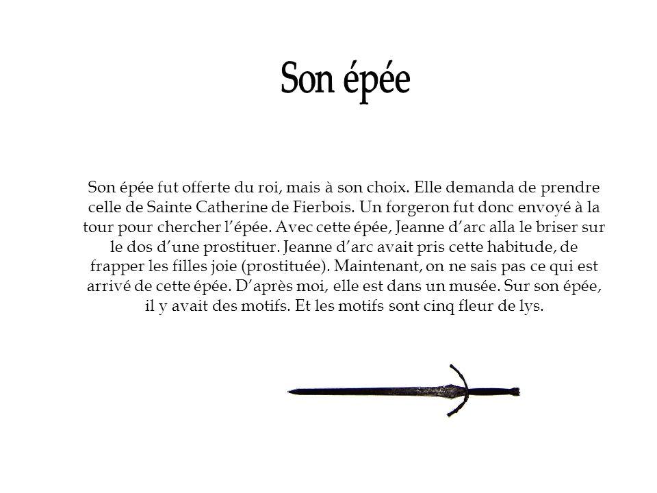 Son épée