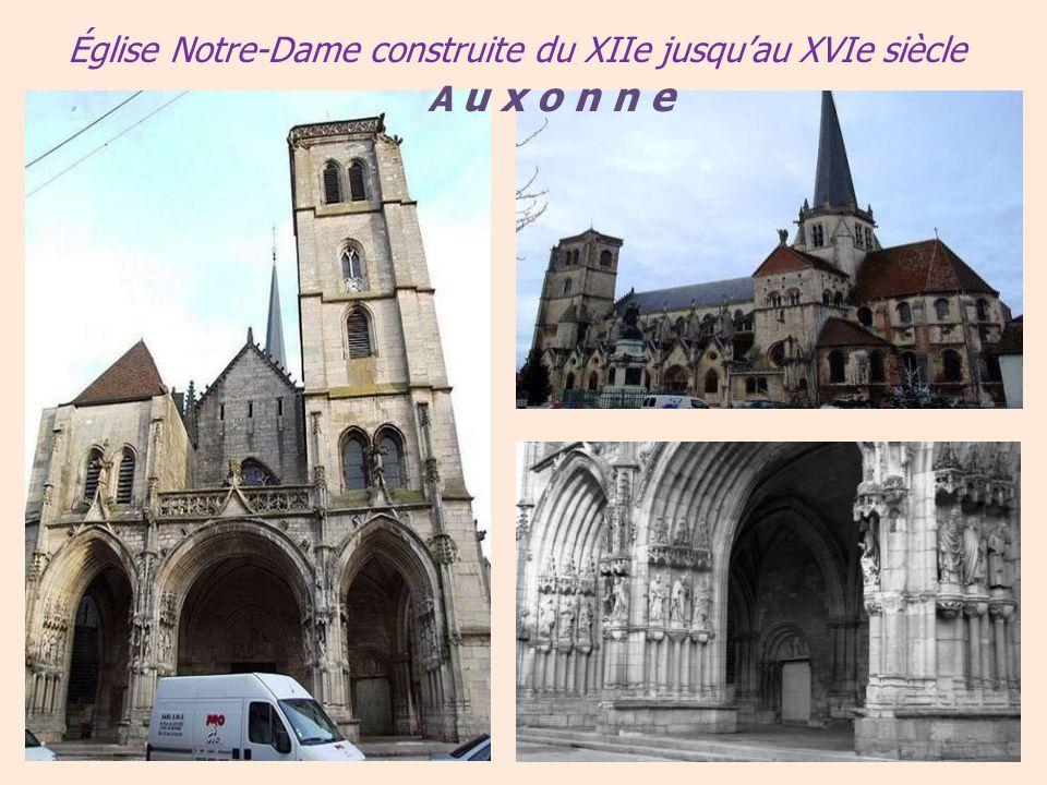Église Notre-Dame construite du XIIe jusqu'au XVIe siècle