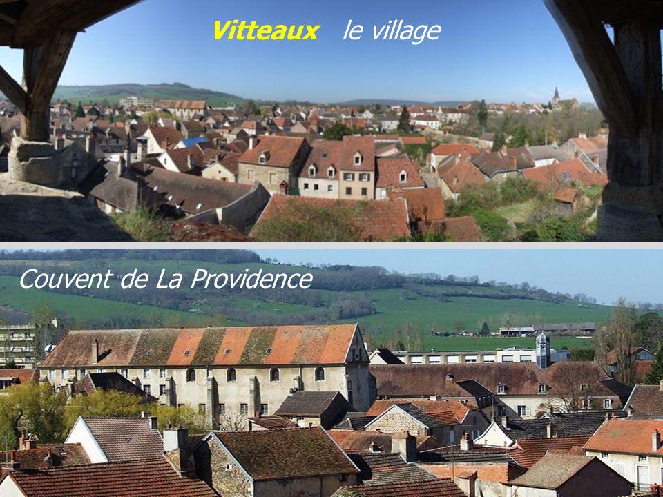 Vitteaux le village Couvent de La Providence