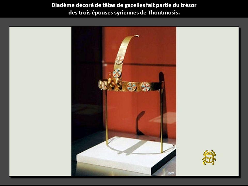 Diadème décoré de têtes de gazelles fait partie du trésor