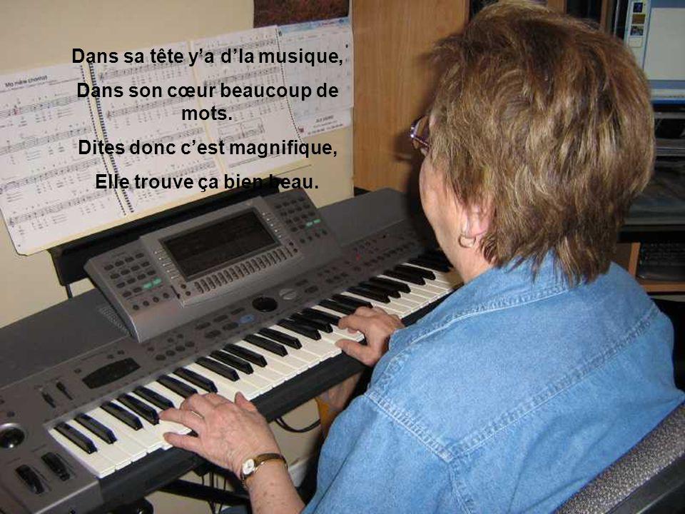 Dans sa tête y'a d'la musique, Dans son cœur beaucoup de mots.