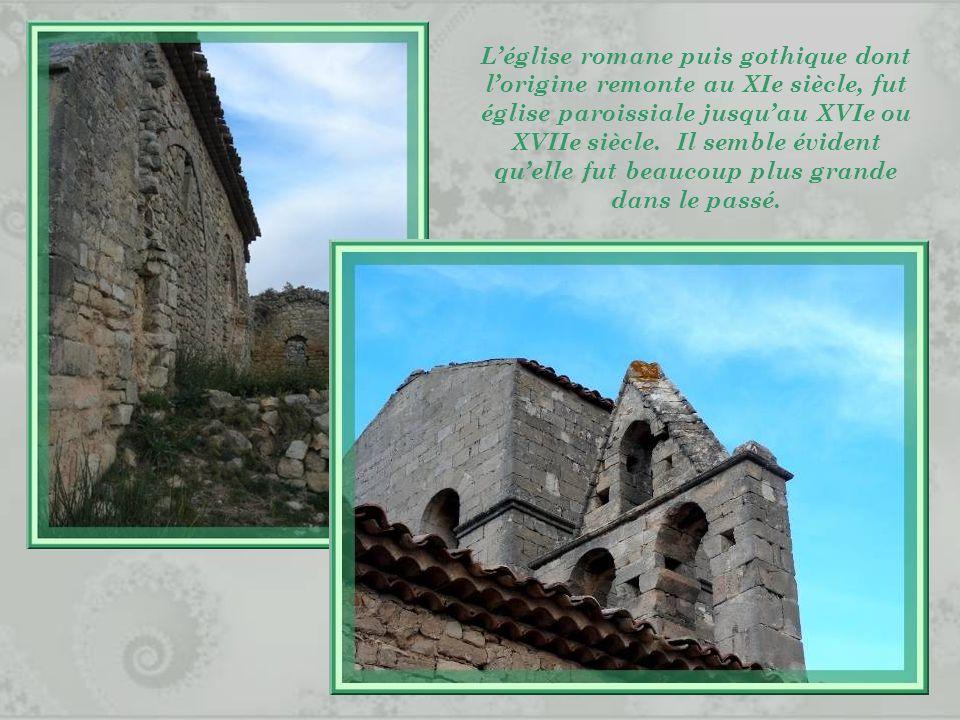 L'église romane puis gothique dont l'origine remonte au XIe siècle, fut église paroissiale jusqu'au XVIe ou XVIIe siècle.