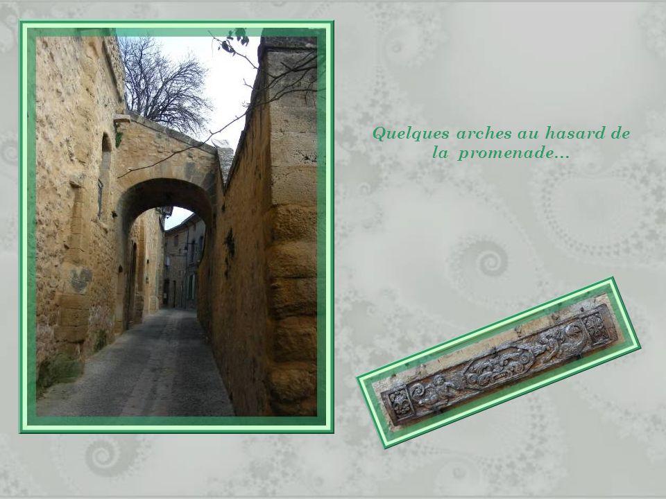 Quelques arches au hasard de la promenade…
