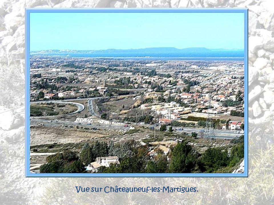 Vue sur Châteauneuf-les-Martigues.
