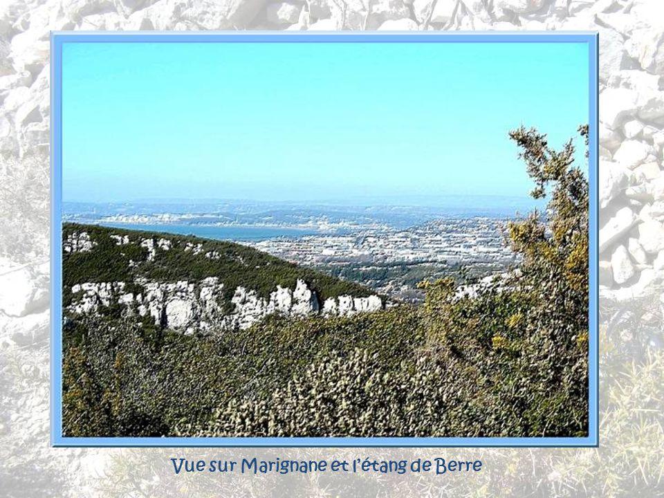 Vue sur Marignane et l'étang de Berre