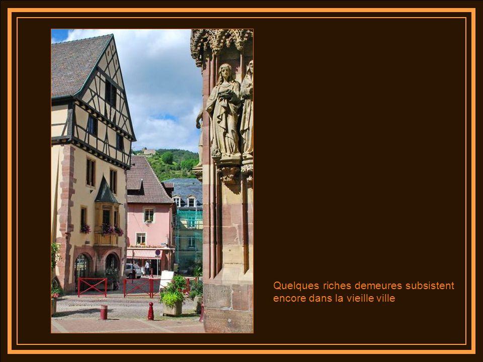 Quelques riches demeures subsistent encore dans la vieille ville