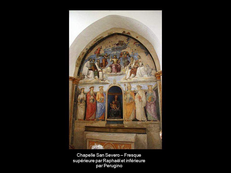 Chapelle San Severo – Fresque supérieure par Raphaël et inférieure par Perugino