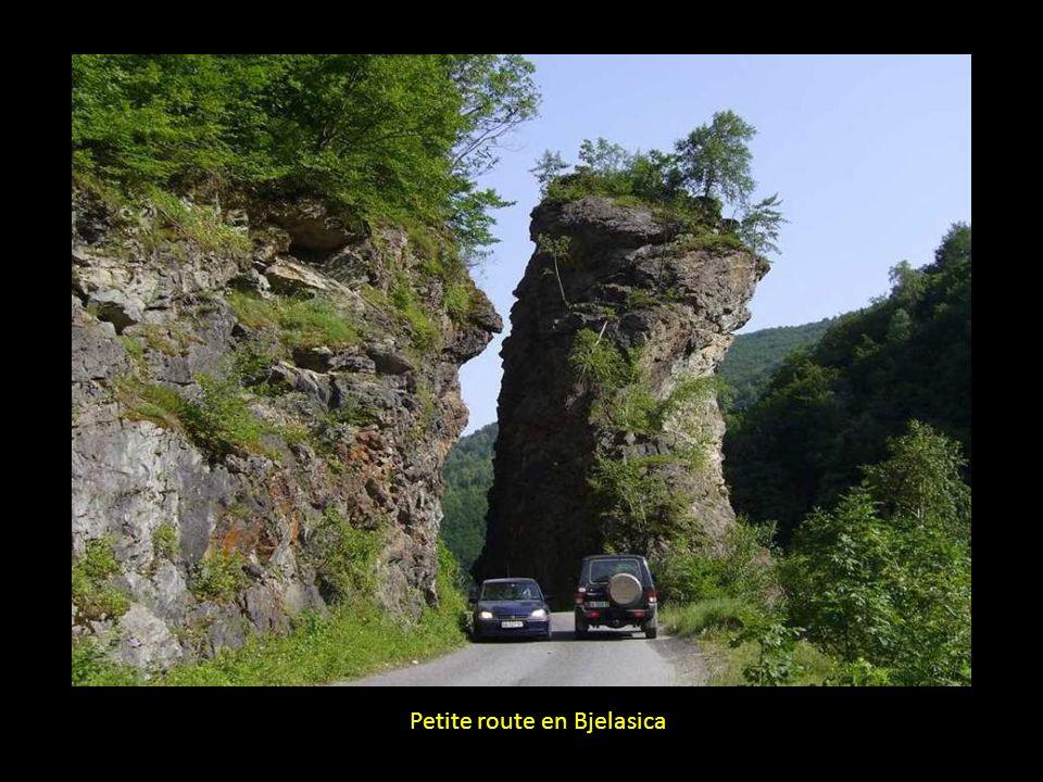 Petite route en Bjelasica