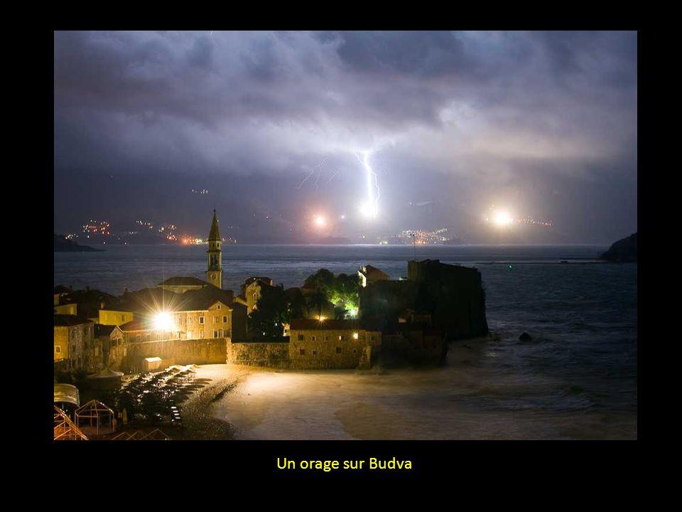 Un orage sur Budva
