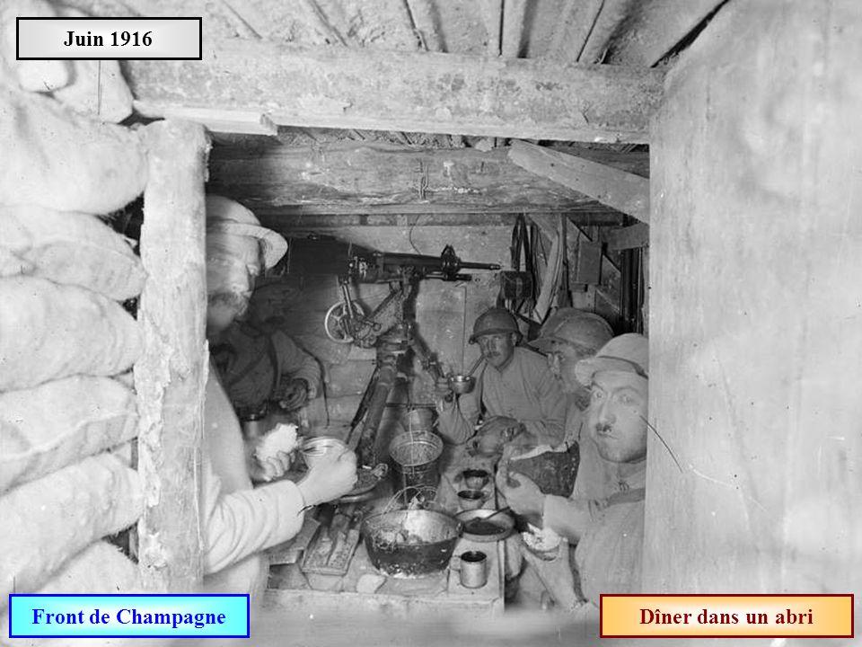 Juin 1916 Front de Champagne Dîner dans un abri