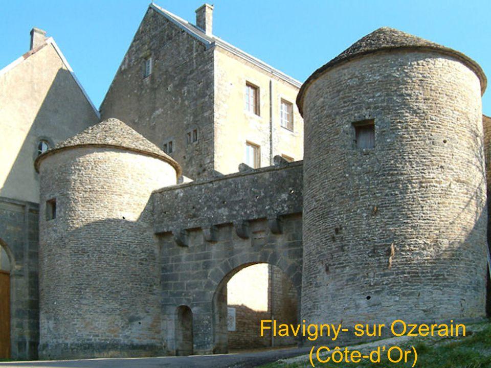 Flavigny- sur Ozerain (Côte-d'Or)