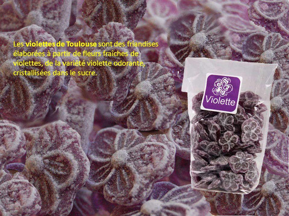 Les violettes de Toulouse sont des friandises élaborées à partir de fleurs fraîches de violettes, de la variété violette odorante, cristallisées dans le sucre.