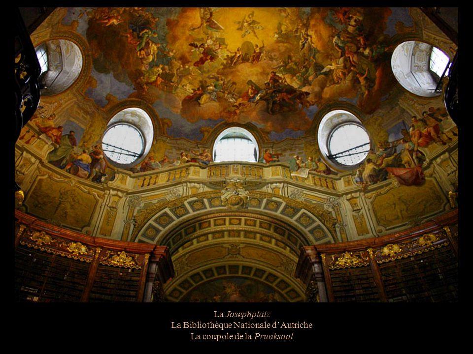 La Bibliothèque Nationale d'Autriche La coupole de la Prunksaal