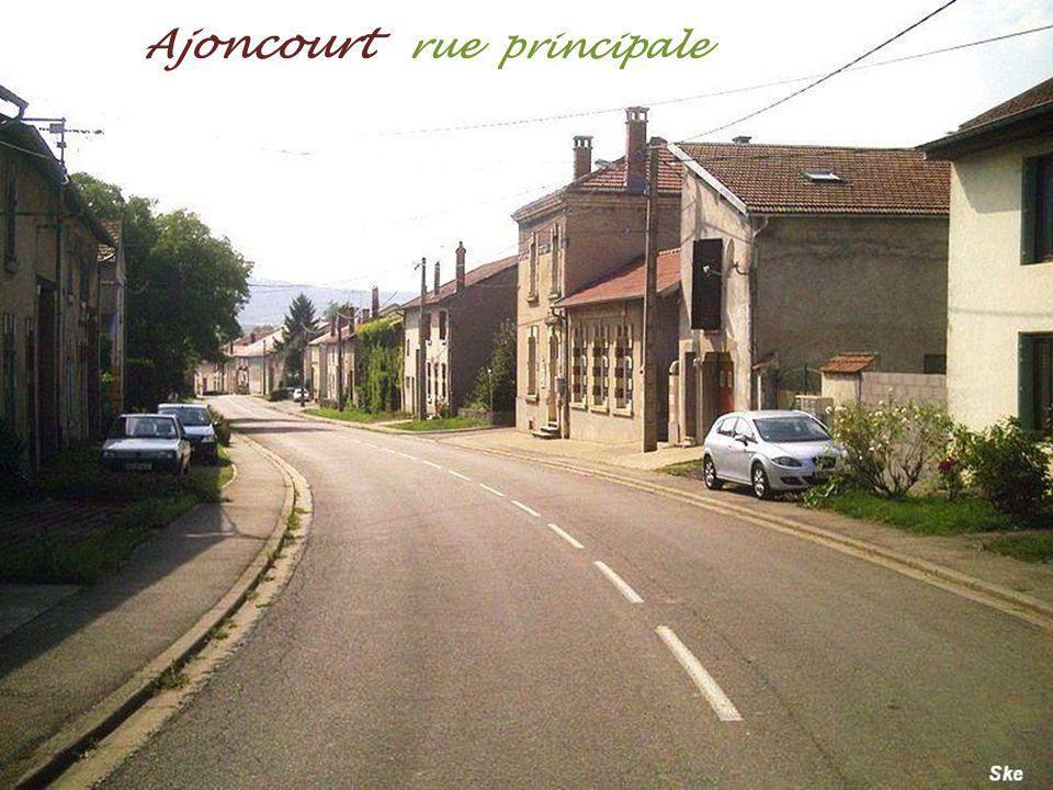 Ajoncourt rue principale