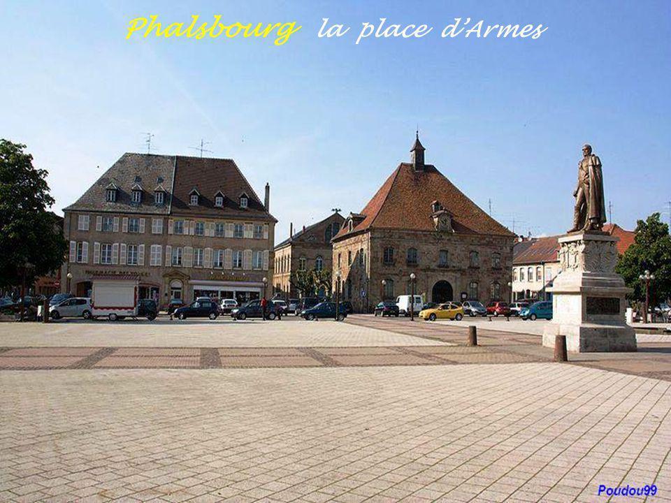Phalsbourg la place d'Armes