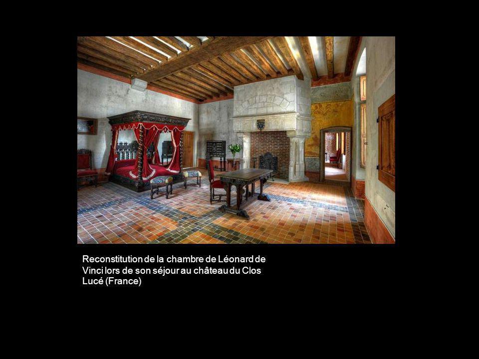 Reconstitution de la chambre de Léonard de Vinci lors de son séjour au château du Clos Lucé (France)