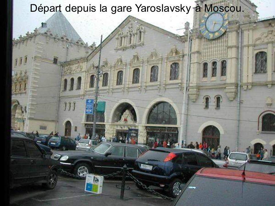 Départ depuis la gare Yaroslavsky à Moscou.