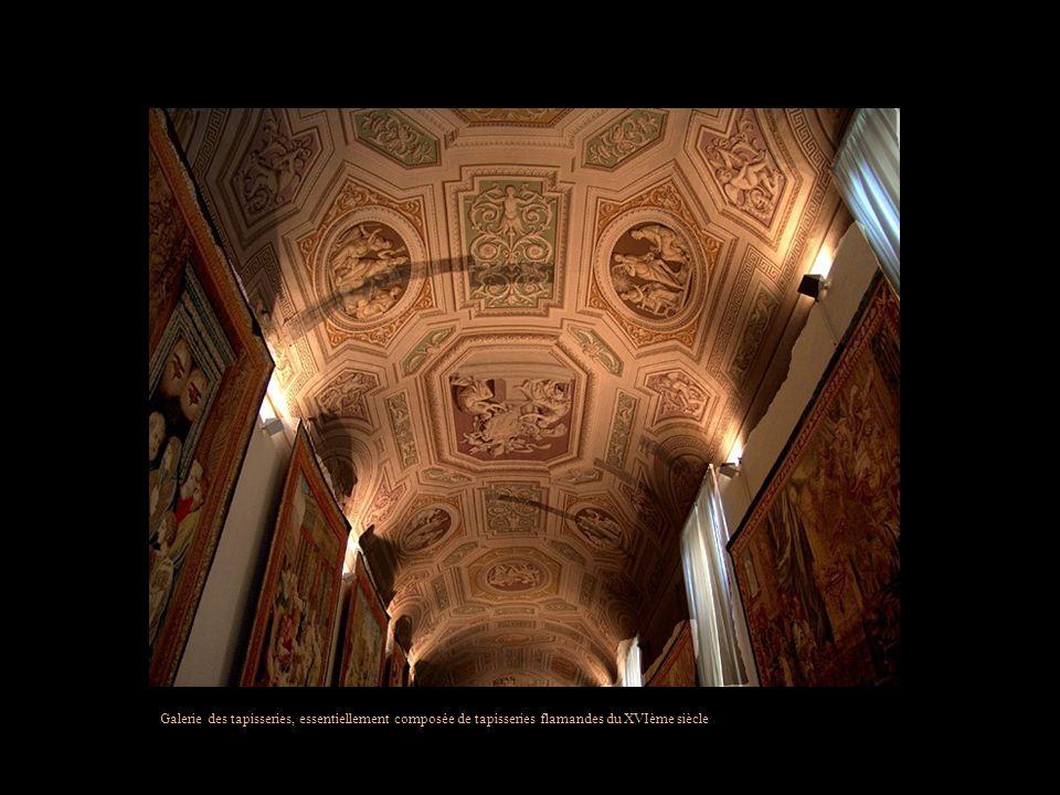 Galerie des tapisseries, essentiellement composée de tapisseries flamandes du XVIème siècle