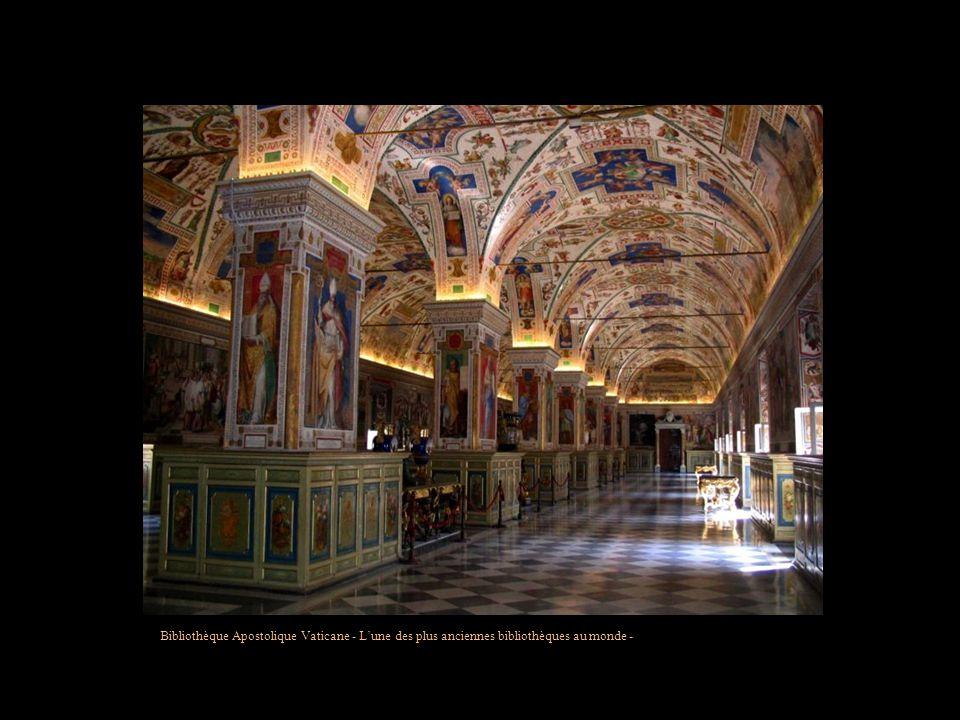 Bibliothèque Apostolique Vaticane - L'une des plus anciennes bibliothèques au monde -