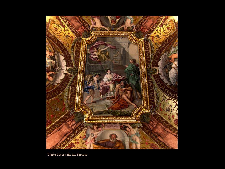 Plafond de la salle des Papyrus