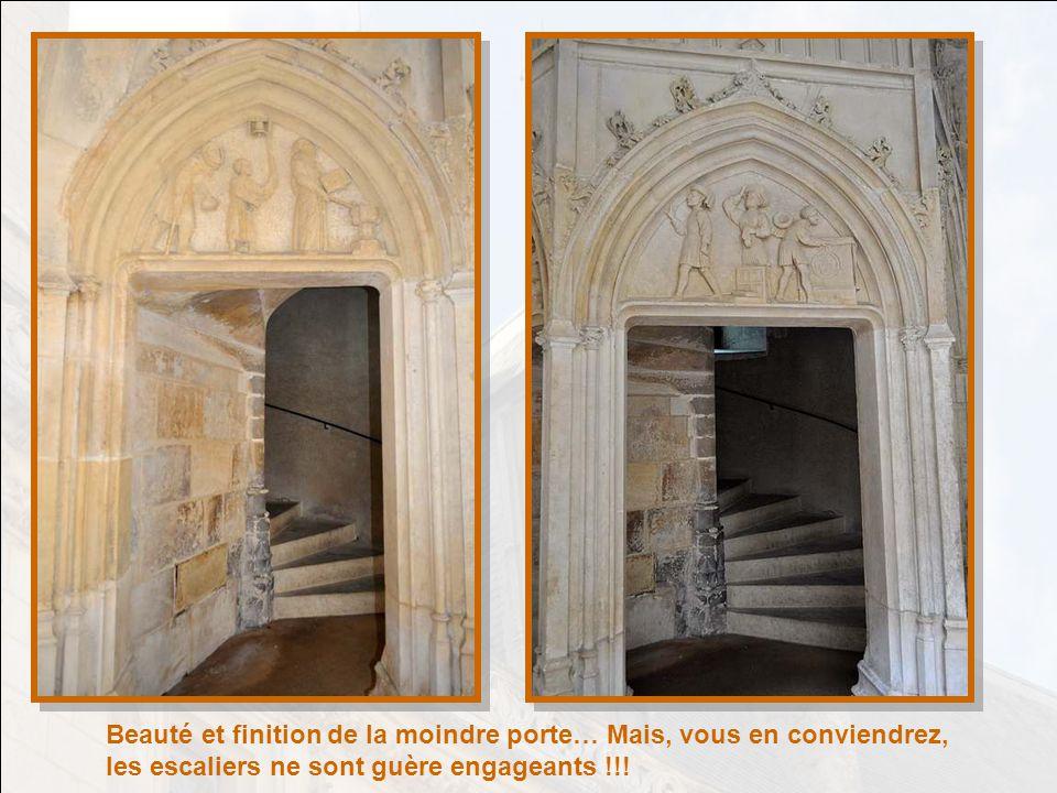 Beauté et finition de la moindre porte… Mais, vous en conviendrez, les escaliers ne sont guère engageants !!!