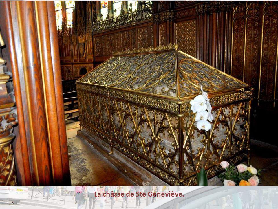La châsse de Ste Geneviève.