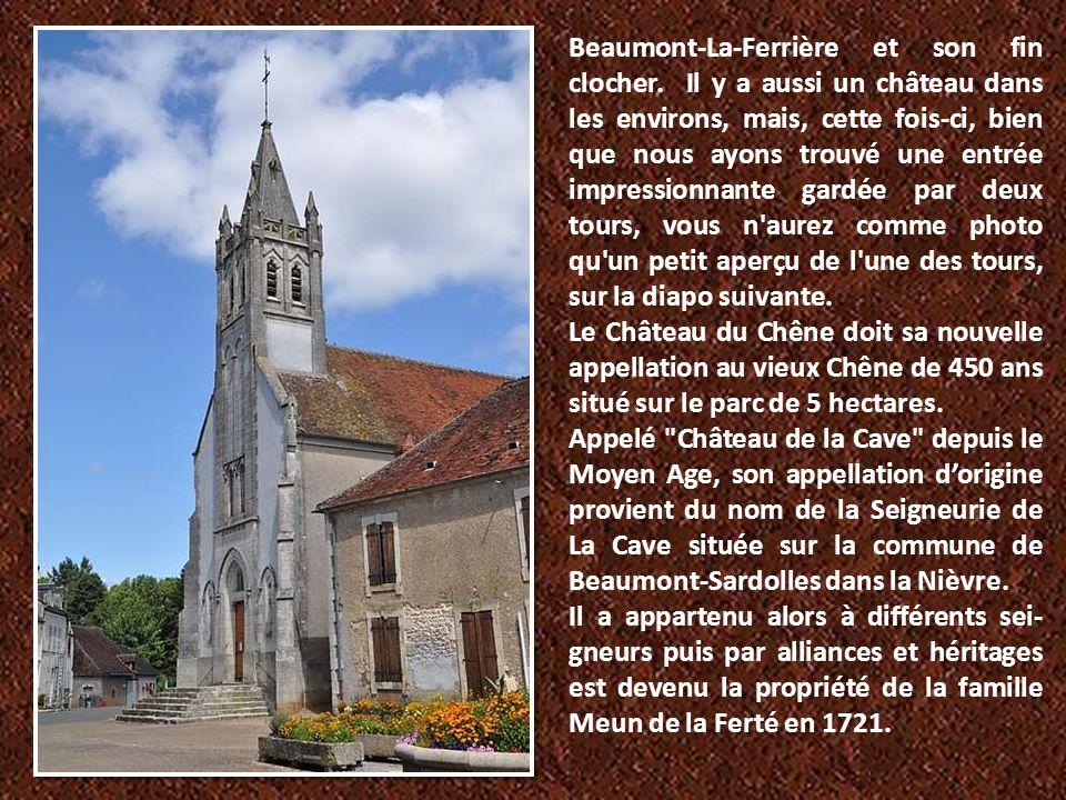 Beaumont-La-Ferrière et son fin clocher