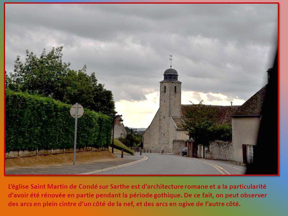 L'église Saint Martin de Condé sur Sarthe est d'architecture romane et a la particularité d'avoir été rénovée en partie pendant la période gothique.