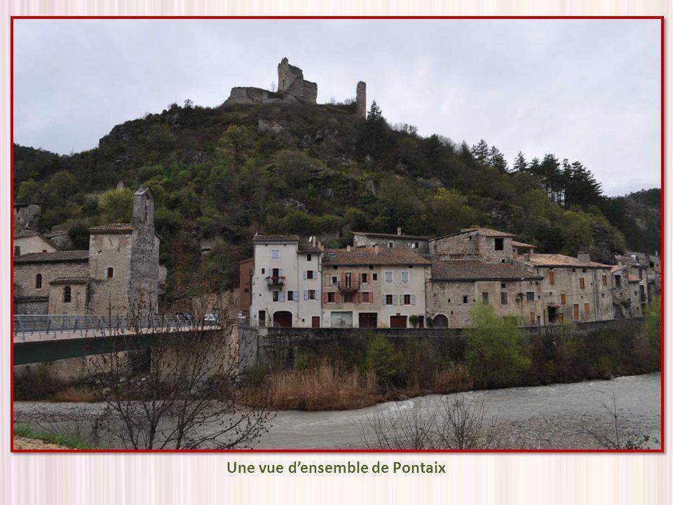 Une vue d'ensemble de Pontaix