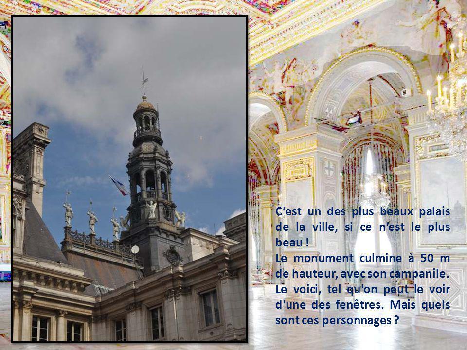 C'est un des plus beaux palais de la ville, si ce n'est le plus beau !