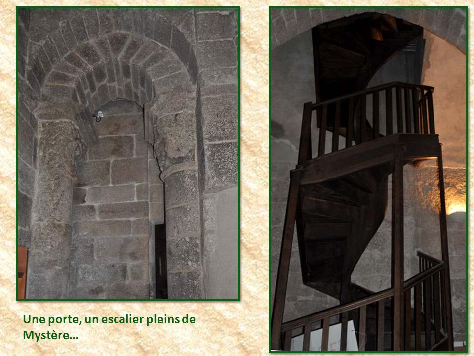 Une porte, un escalier pleins de