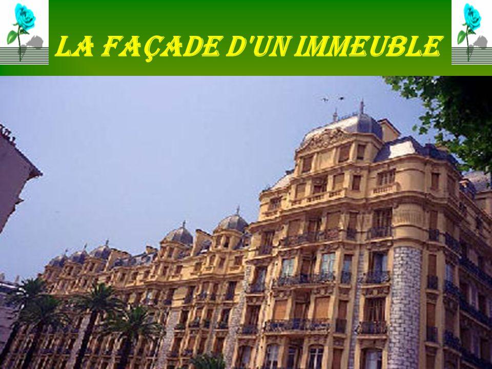 La façade d un immeuble