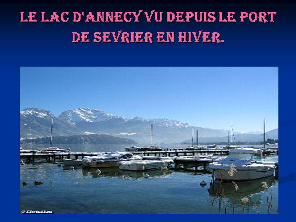Le lac d Annecy vu depuis le port de Sevrier en hiver.