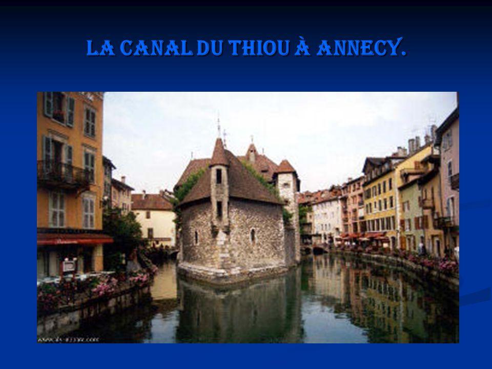 La canal du Thiou à Annecy.