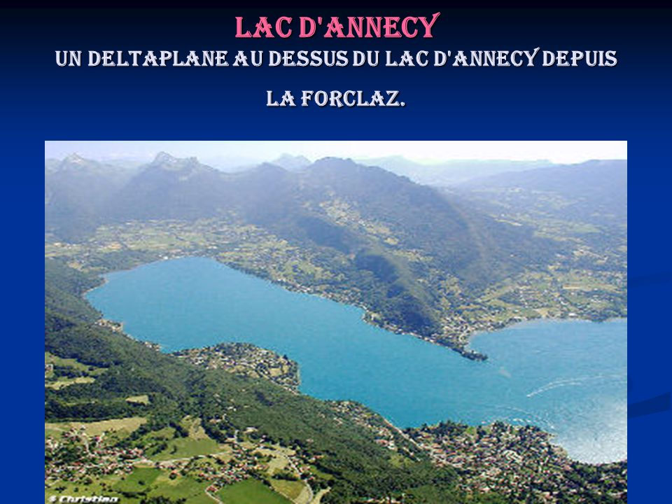 Lac d Annecy Un deltaplane au dessus du lac d Annecy depuis la Forclaz.